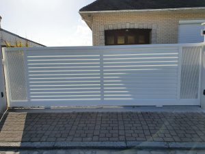 Portail coulissant alu blanc